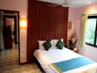 Hilltop Hotel Phuket - Suite room