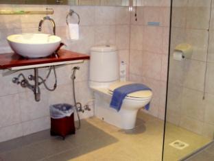 Hilltop Hotel Phuket - Suite room - Bathroom