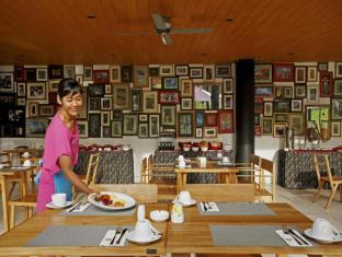 Centra Taum Resort Seminyak Bali Bali - Restaurant