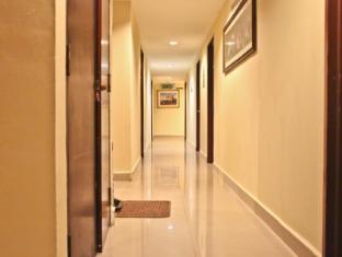 Hotel Grand Crescent Kuala Lumpur - Hallway