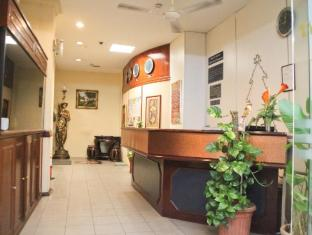 Hotel Grand Crescent Kuala Lumpur - Reception