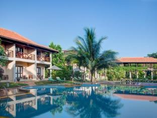 /portofino-resort/hotel/tangalle-lk.html?asq=jGXBHFvRg5Z51Emf%2fbXG4w%3d%3d