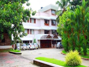 Hotel Highway Garden