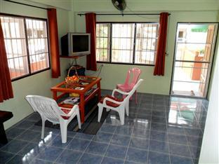 Happy Home Guesthouse Rawai Phuket - Living area
