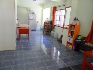 Happy Home Guesthouse Rawai Phuket - Entrance
