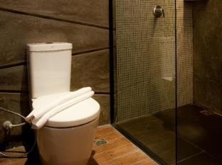 De Coze Hotel Phuket - Superior Type B - Bathroom