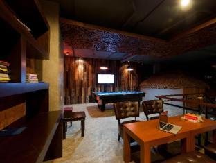 De Coze Hotel Phuket - Business Center
