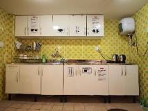 Shinchon Hostel: kitchen