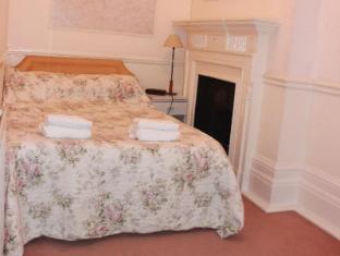 Kensington Court ApartHotel