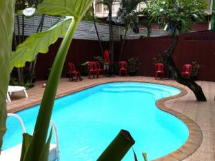 Boomerang Inn Phuket - Swimmingpool