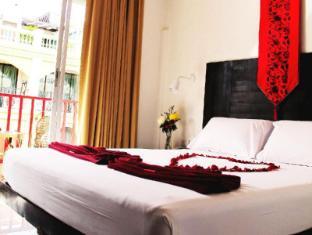 Boomerang Inn Phuket - Deluxe Queen Bed