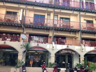 Boomerang Inn Phūketa - Viesnīcas ārpuse