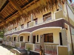 Hotel in Philippines Puerto Galera   Villa Lato Montagna Resort
