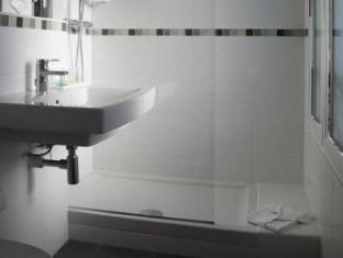 Hotel le Relais Saint Charles Parijs - Badkamer