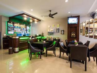 Lavender Hotel Phuket - Quầy bar/Pub