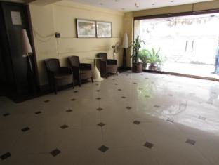 Astoria Hotel Kolkata - Entrance