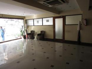 Astoria Hotel Kolkata - Lobby