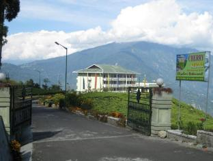 /cherry-resort-south-sikkim/hotel/gangtok-in.html?asq=jGXBHFvRg5Z51Emf%2fbXG4w%3d%3d