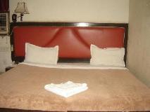 Hotel Shoba Residency: guest room