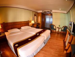 Silom Village Inn Bangkok - Guest Room