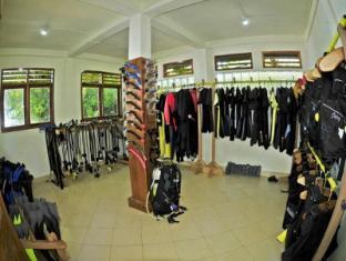 Bunaken Divers Sea Breeze Resort Manado - Sports and Activities