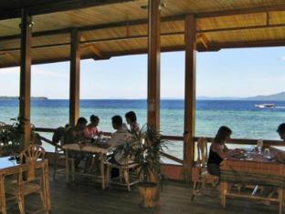 Bunaken Divers Sea Breeze Resort Manado - Restaurant