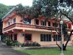 Hotel in Philippines Batangas | Talisay Green Lake Resort