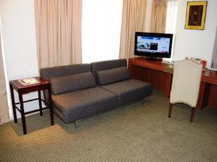The E-Hotel Makati Manila - Guest Room