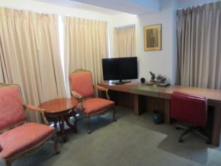 The E-Hotel Makati Manila - Suite
