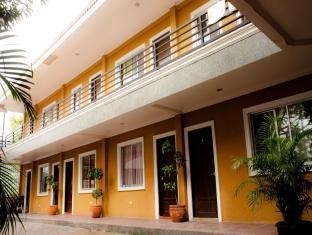 Villa Khristalene Batangas - Hotel Exterior