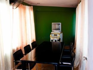 Villa Khristalene Batangas - Video Room