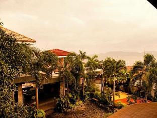 Villa Khristalene Batangas - Exterior