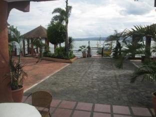 Villa Khristalene Batangas - Outdoor
