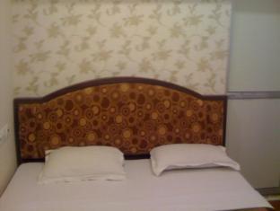 /ajay-guest-house/hotel/varanasi-in.html?asq=jGXBHFvRg5Z51Emf%2fbXG4w%3d%3d