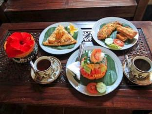 Praety Home Stay Bali - Food and Beverages