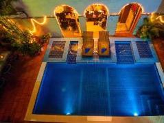 Sundance Inn & Saloon Cambodia