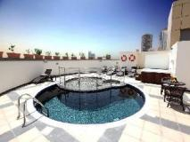 Xclusive Maples Hotel Apartment: swimming pool