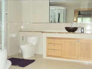 Executive Suite at Emerald Palace Pattaya - Bathroom
