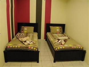 Matahari Lodge Kuala Lumpur - Private Twin Room