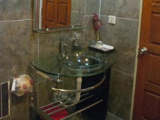 โรงแรมรีกัล พนมเปญ - ห้องน้ำ