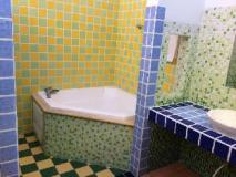 Meet Kenting B&B: bathroom