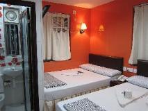 Ashoka Hostel: twin room
