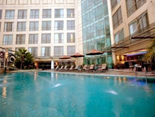 Meritus Surabaya City Centre Surabaya - Swimming Pool