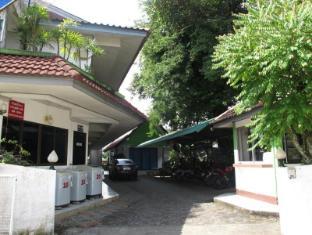 Tree House Residence