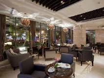 S. aura Hotel: interior