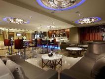 S. aura Hotel: pub/lounge