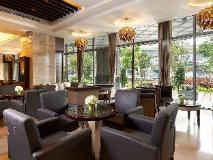 S. aura Hotel: lobby