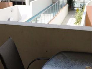 FV4006 Apartments Brisbane - Balcony