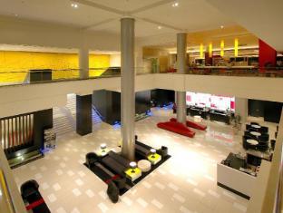 Mantra on View Hotel Gold Coast - Lobby