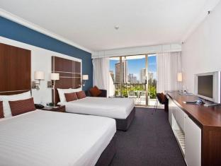 Mantra on View Hotel Gold Coast - Guest Room